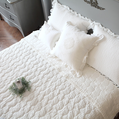 Jenny quilted bedding for summer